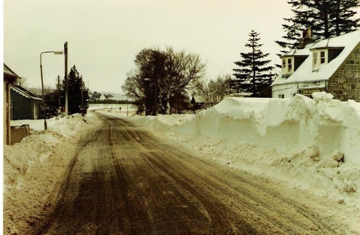 Main road through Dalwhinnie a number of years ago
